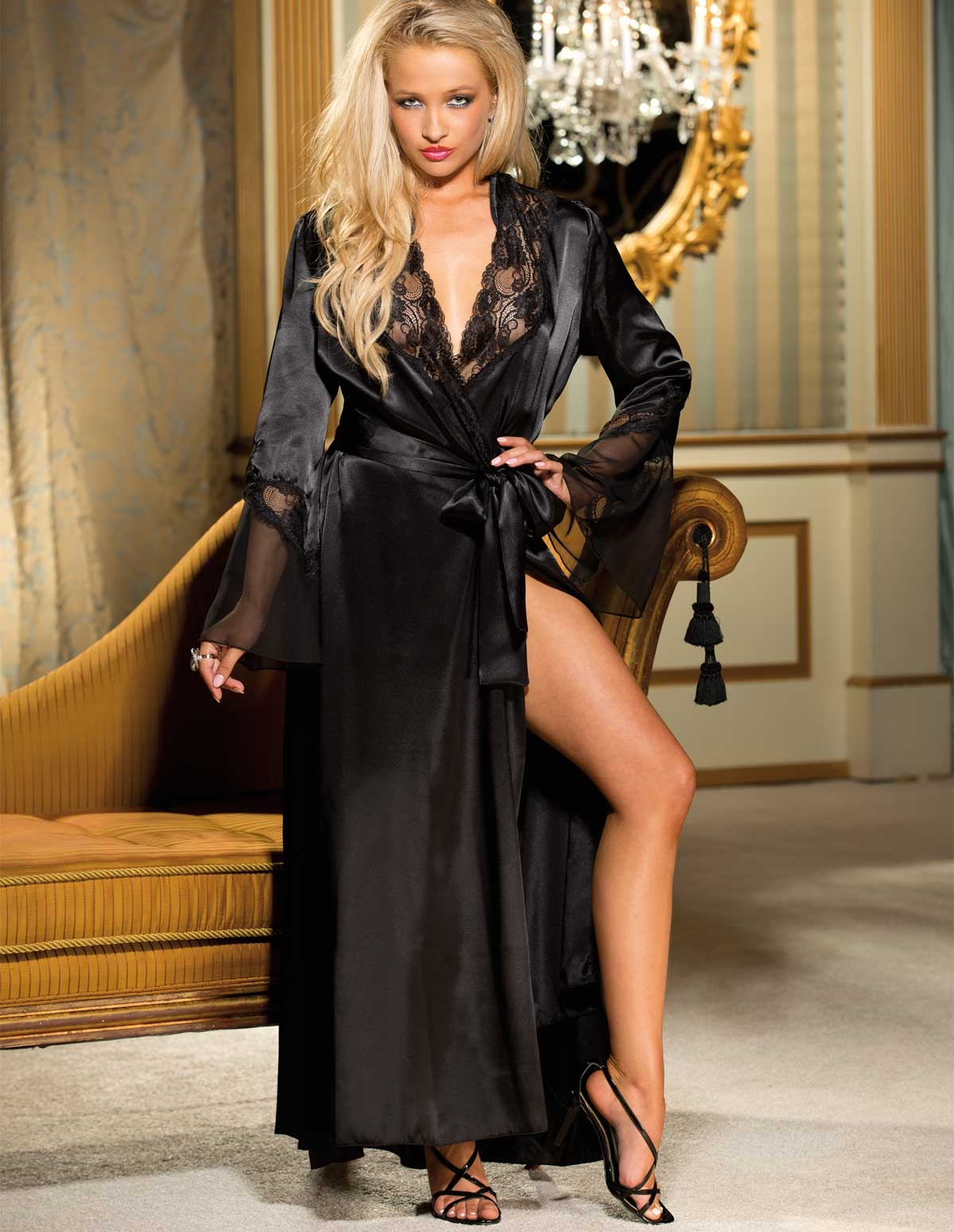 Majesty Robe