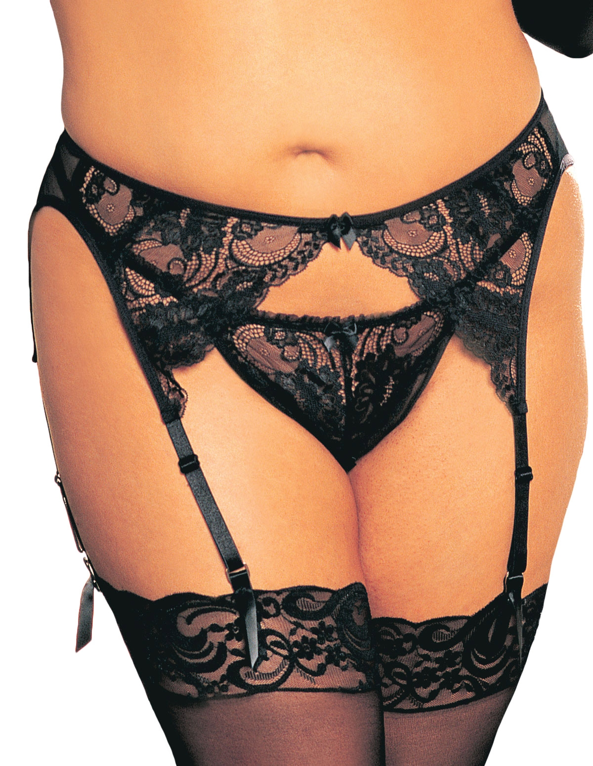 Scalloped Emroidery Thong